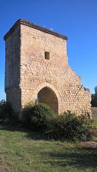 Photo du Monument Historique Porte fortifiée de Saint-Yors situé à Bazian