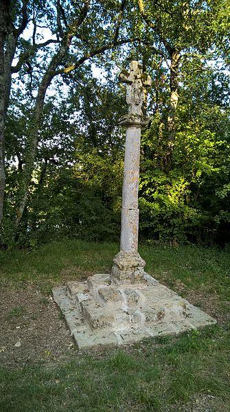 Photo du Monument Historique Croix du cimetière de Verduzan situé à Castéra-Verduzan