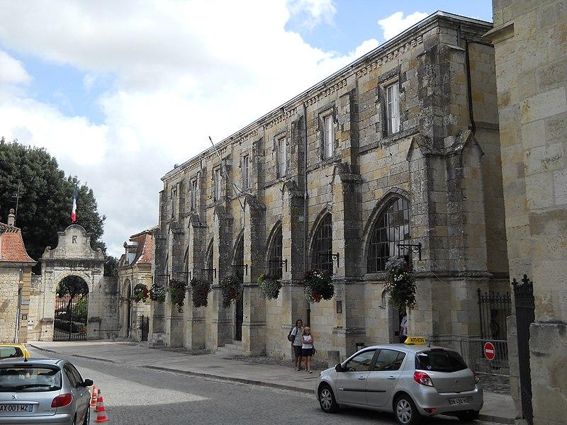 Photo du Monument Historique Cloître situé à Condom
