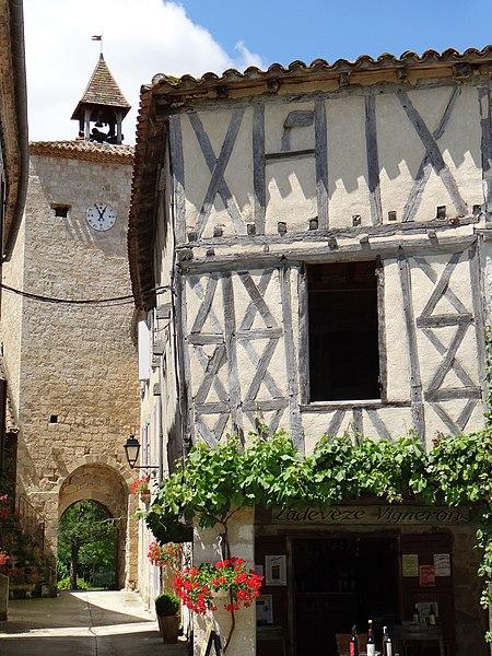 Photo du Monument Historique Ancienne porte de ville situé à Fourcès