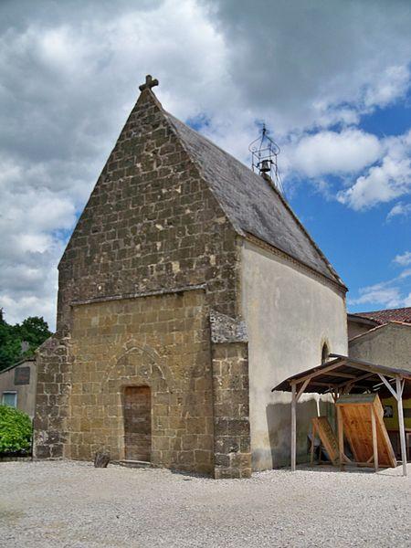 Photo du Monument Historique Hospice Saint-Jacques situé à Lupiac