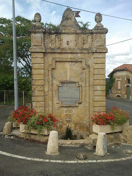 Photo du Monument Historique Fontaine du village situé à Orbessan