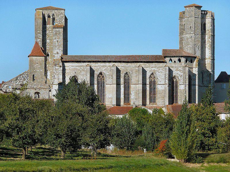 Photo du Monument Historique Eglise et cloîtres situé à Romieu (La)