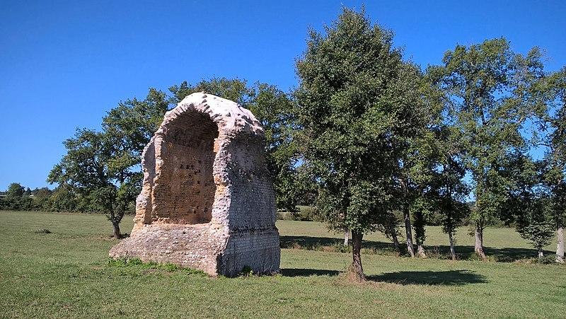 Photo du Monument Historique Pile gallo-romaine dite La Montjoie situé à Roquebrune