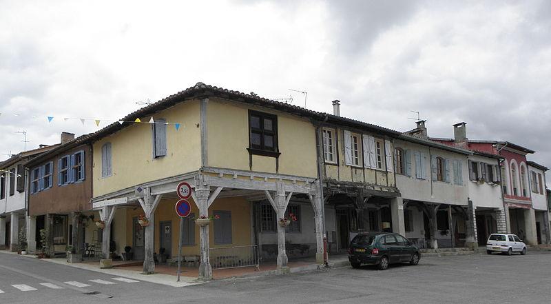 Photo du Monument Historique Maison Renaissance situé à Saramon