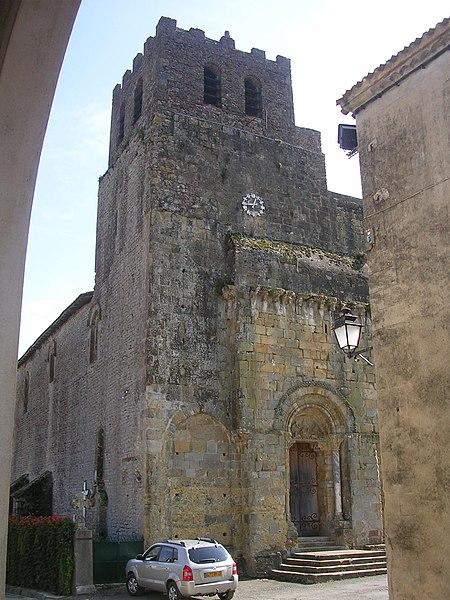 Photo du Monument Historique Eglise Saint-Pierre et ancienne église abbatiale situé à Tasque