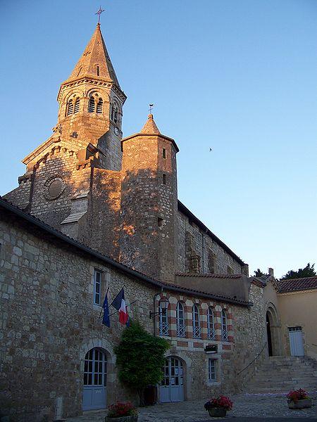 Photo du Monument Historique Eglise Saint-Michel situé à Montaut-les-Créneaux