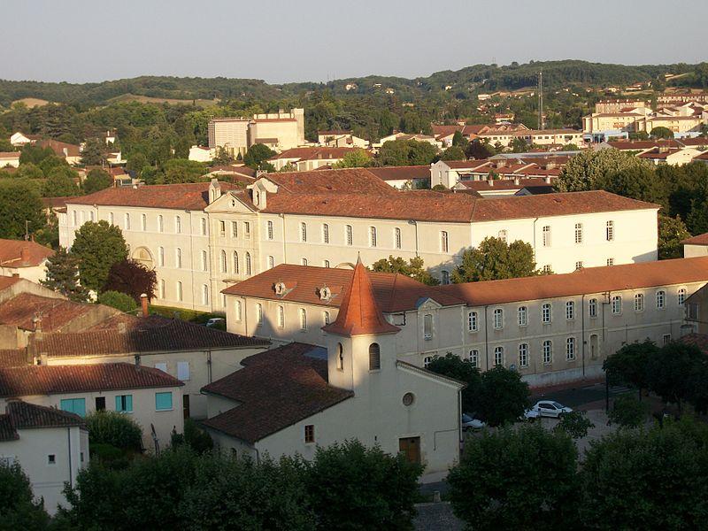 Photo du Monument Historique Ancien hôpital Pasteur-Saint-Augustin situé à Auch
