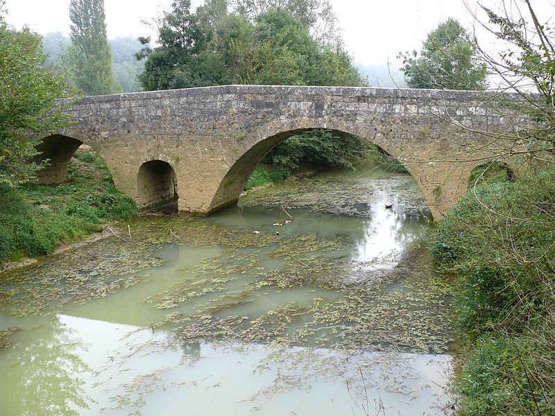 Photo du Monument Historique Pont d'Artigue situé à Beaumont
