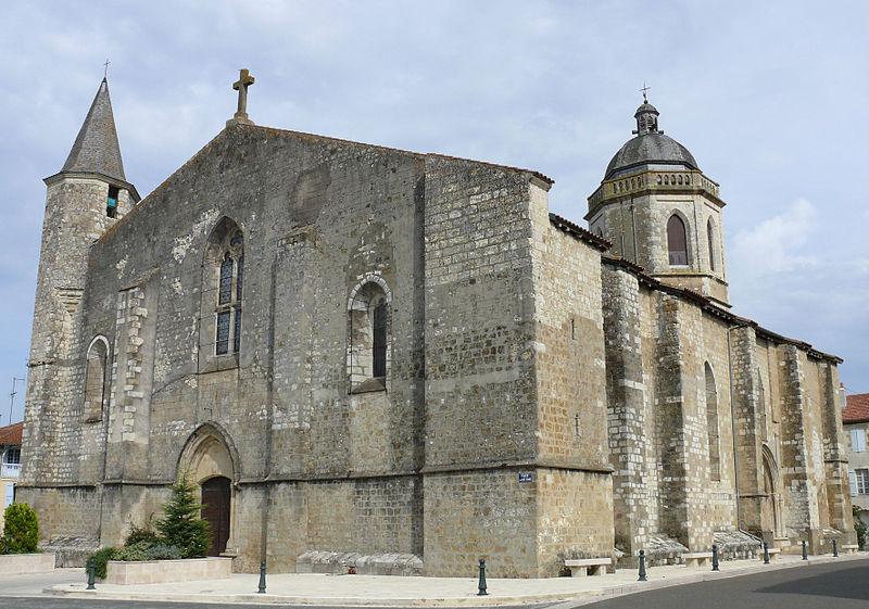Photo du Monument Historique Église Saint-Pierre (ancienne collégiale) situé à Vic-Fézensac