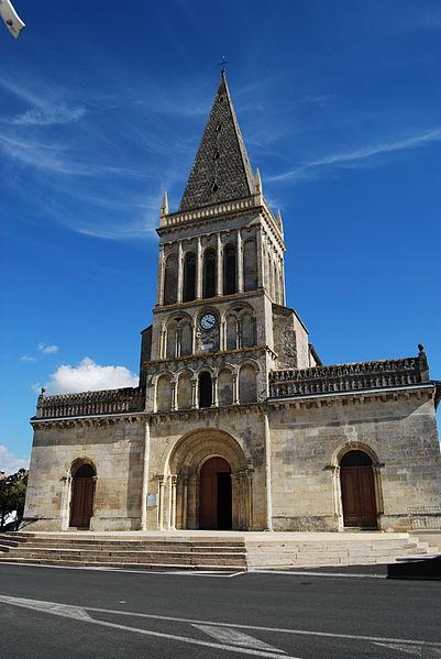 Photo du Monument Historique Eglise Saint-Pierre situé à Ambarès-et-Lagrave