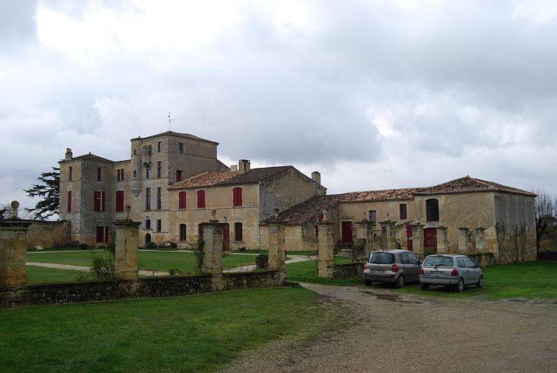 Photo du Monument Historique Château de Lacaussade situé à Baurech