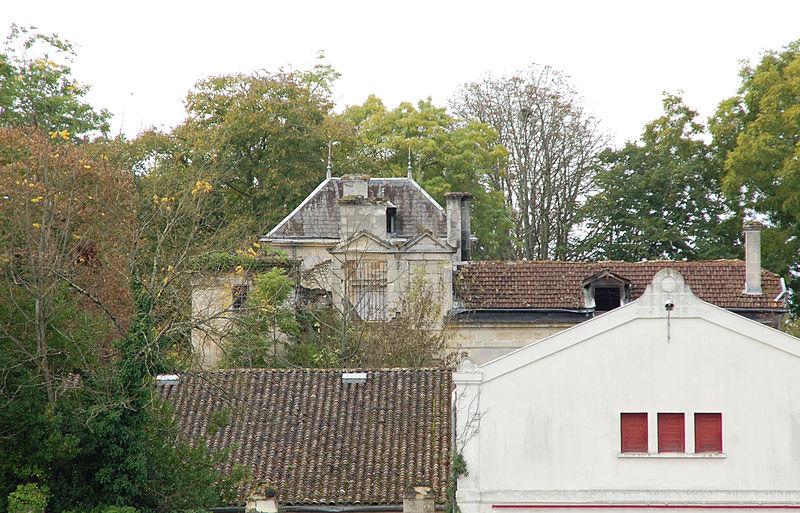 Photo du Monument Historique Château Dillon situé à Blanquefort