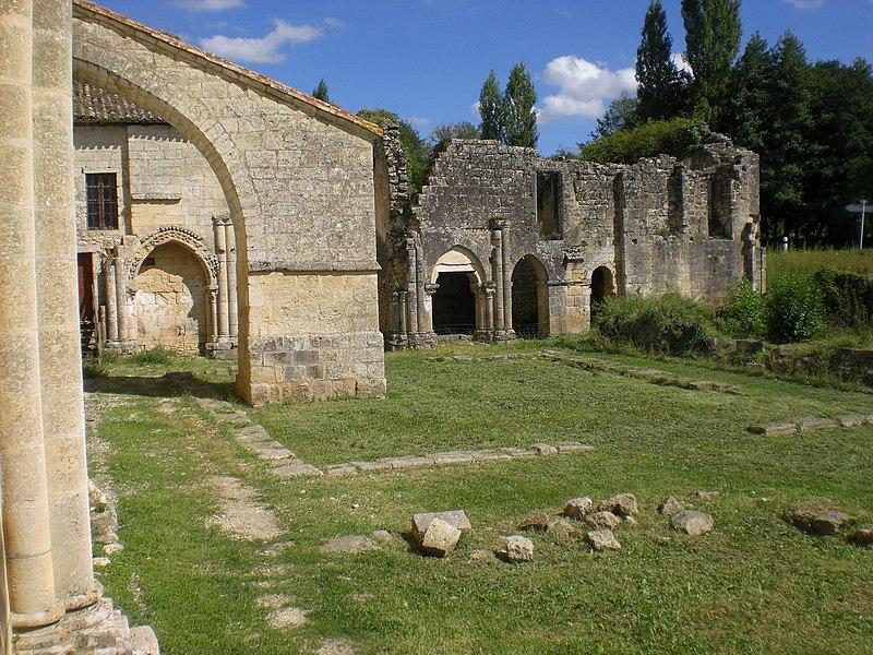 Photo du Monument Historique Ancienne abbaye Saint-Nicolas situé à Blasimon