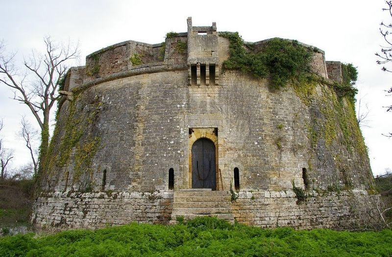 Photo du Monument Historique Fort Paté situé à Blaye