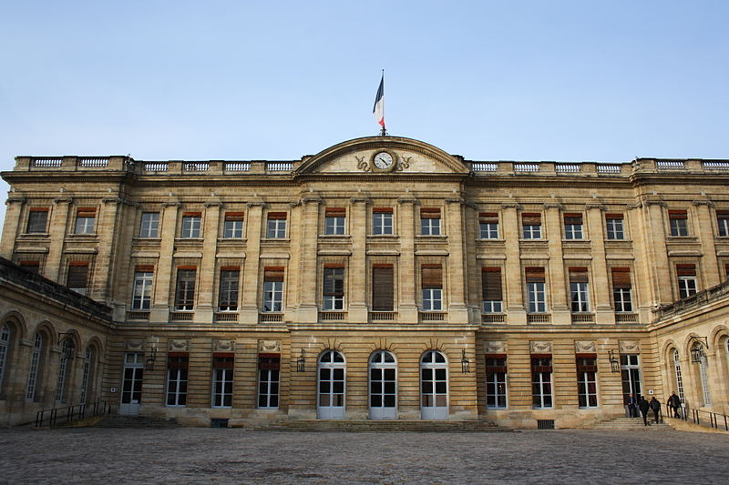 Photo du Monument Historique Palais de Rohan (ancien archevêché, actuel Hôtel de ville) situé à Bordeaux