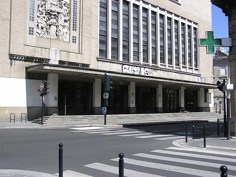 Photo du Monument Historique Bourse du Travail situé à Bordeaux