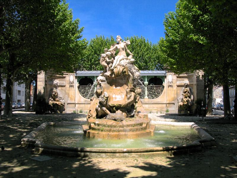 Photo du Monument Historique Fontaine Amédée-Larrieu situé à Bordeaux