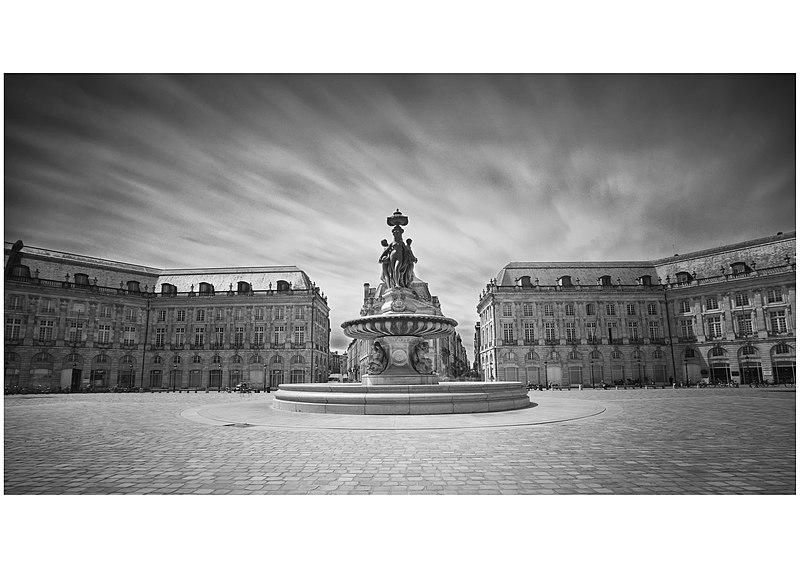 Photo du Monument Historique Hôtel des Douanes situé à Bordeaux