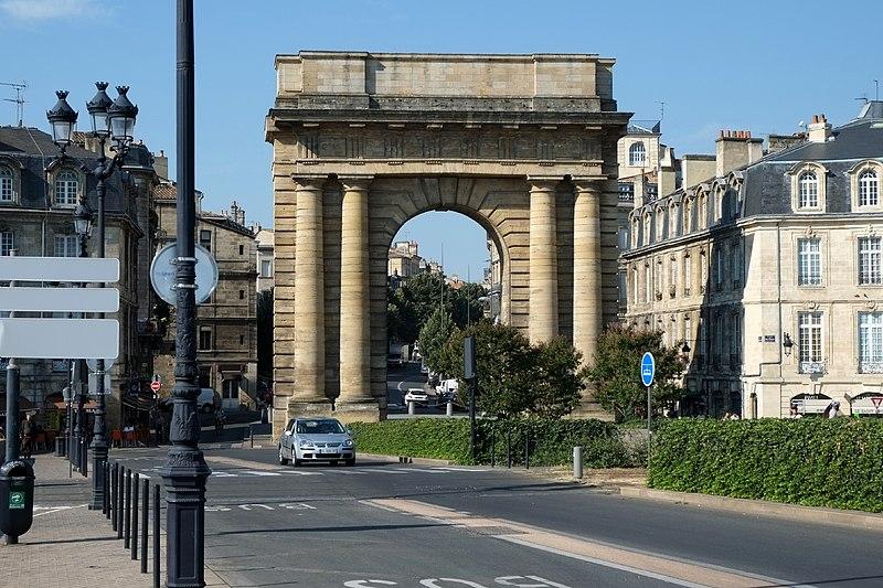 Photo du Monument Historique Porte de Bourgogne situé à Bordeaux