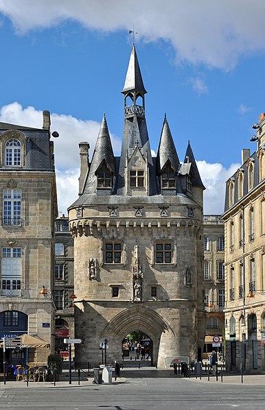 Photo du Monument Historique Porte du Palais (ou Porte Cailhau) situé à Bordeaux
