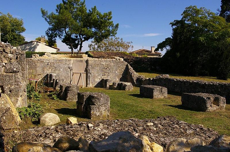 Photo du Monument Historique Eglise de la Libarde situé à Bourg