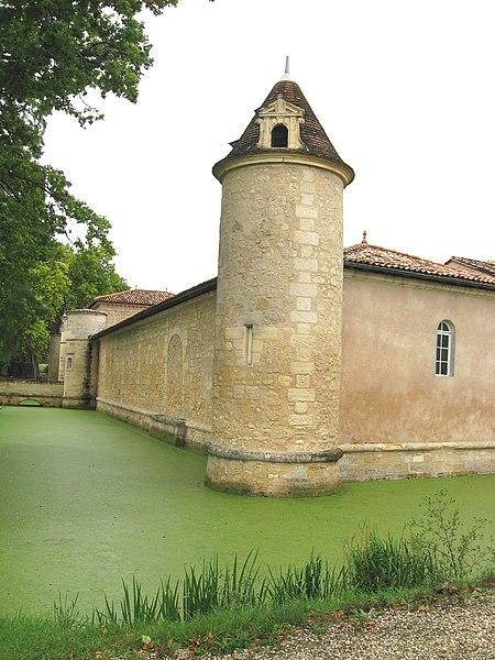 Photo du Monument Historique Château d'Issan situé à Cantenac