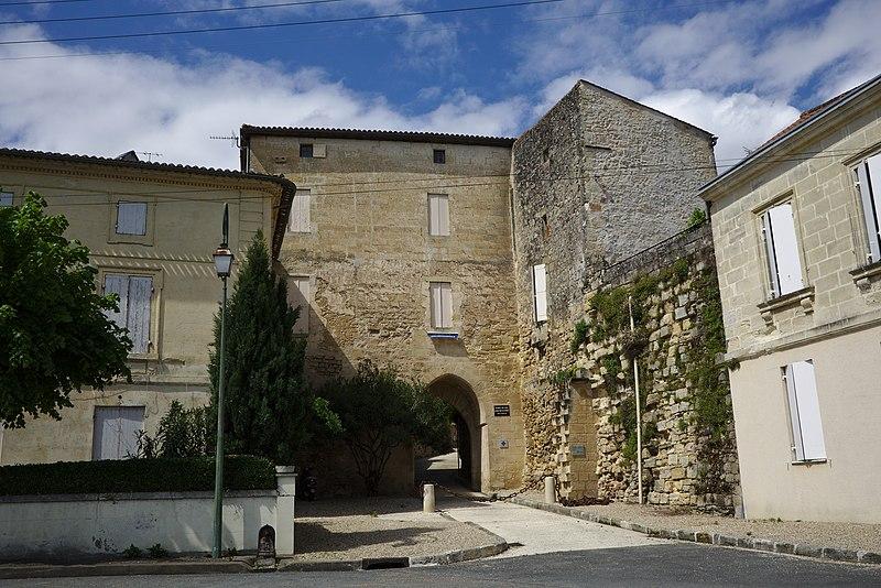 Photo du Monument Historique Porte du Midi, dite Porte de Fer situé à Castillon-la-Bataille