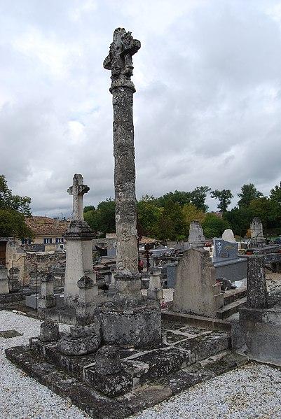 Photo du Monument Historique Croix du 17e siècle situé à Daignac