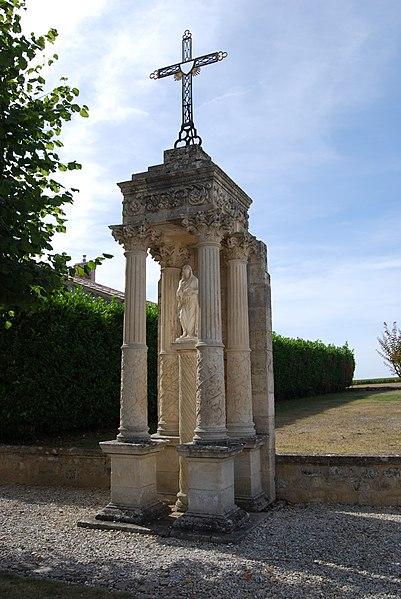 Photo du Monument Historique Reposoir du 17e siècle situé à Grézillac