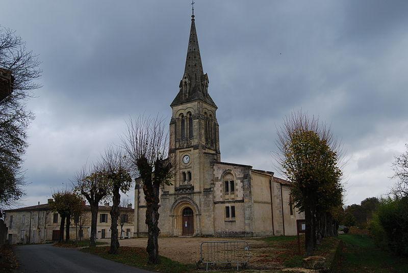 Photo du Monument Historique Eglise paroissiale Saint-Pierre-ès-Liens du Haut-Langoiran situé à Langoiran