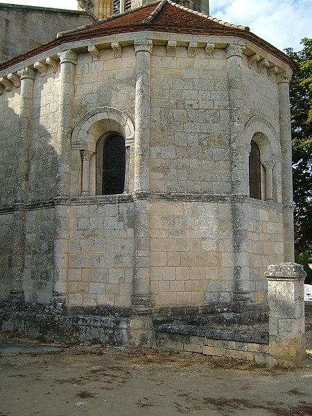 Photo du Monument Historique Eglise Saint-Pierre situé à Lansac