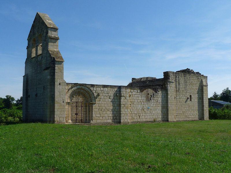 Photo du Monument Historique Ruines de la chapelle de Villemartin situé à Mouliets-et-Villemartin