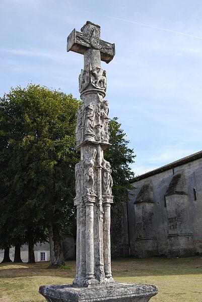 Photo du Monument Historique Croix de cimetière situé à Nérigean