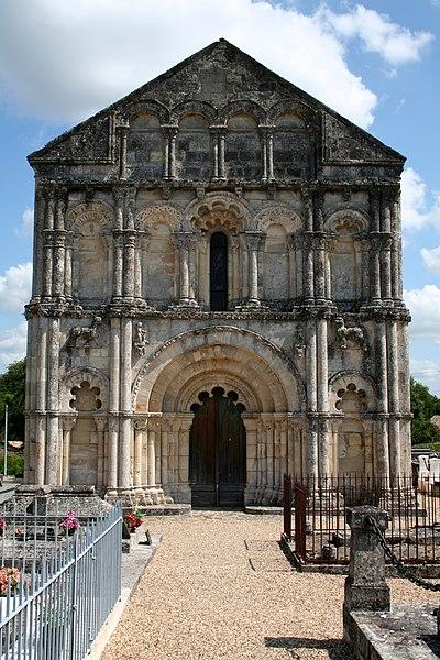 Photo du Monument Historique Eglise Saint-Pierre situé à Petit-Palais-et-Cornemps