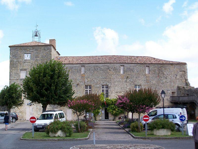 Photo du Monument Historique Château situé à Pujols
