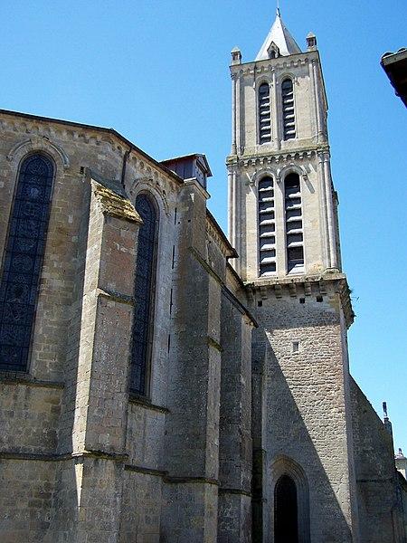 Photo du Monument Historique Eglise Saint-Pierre situé à Réole (La)