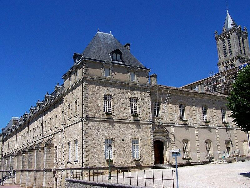 Photo du Monument Historique Ancien prieuré bénédictin situé à Réole (La)