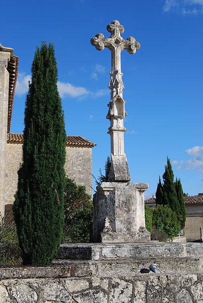 Photo du Monument Historique Croix de cimetière situé à Sadirac