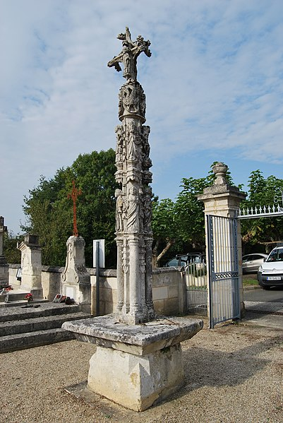 Photo du Monument Historique Croix du 16e siècle situé à Saillans