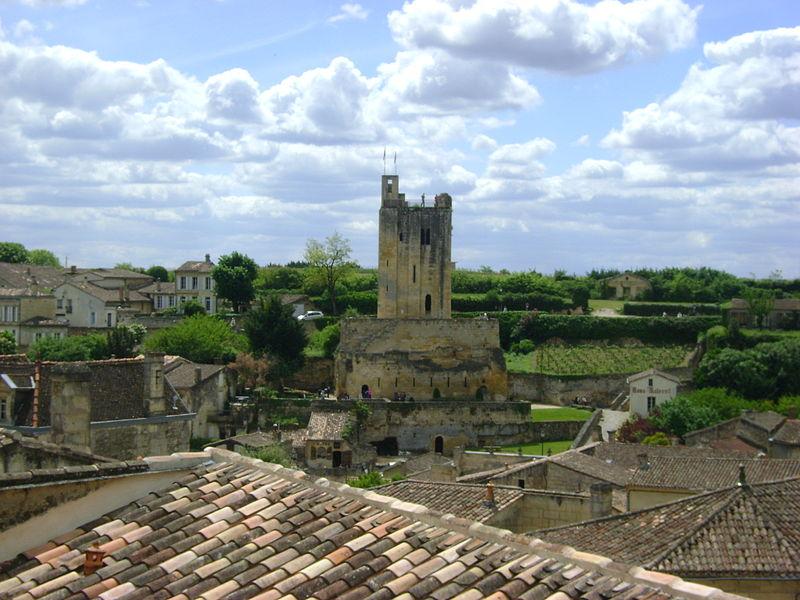 Photo du Monument Historique Donjon fortifié, dit Château du Roi situé à Saint-Emilion