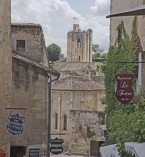 Photo du Monument Historique Ermitage ou Chapelle de la Trinité situé à Saint-Emilion