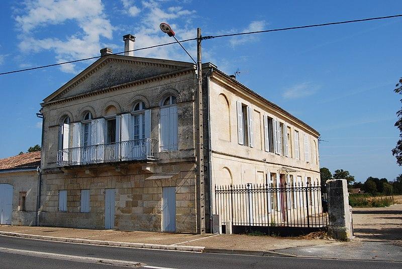 Photo du Monument Historique Immeuble dit Le Bousquet situé à Saint-Louis-de-Montferrand