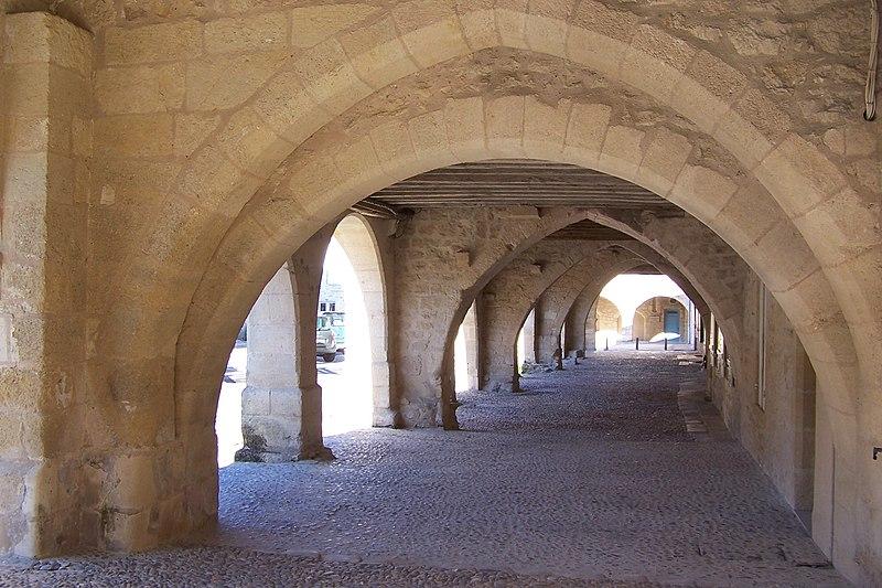 Photo du Monument Historique Maisons situé à Saint-Macaire