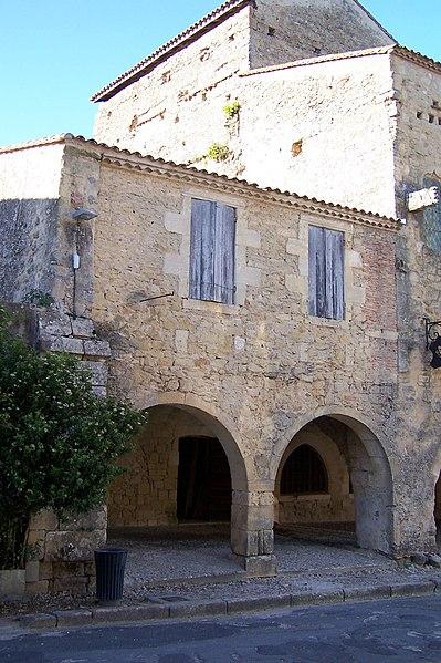 Photo du Monument Historique Maison attenante à la maison dite Relais Henri IV situé à Saint-Macaire