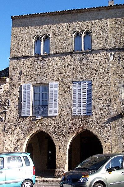 Photo du Monument Historique Maison à baies géminées trilobées situé à Saint-Macaire