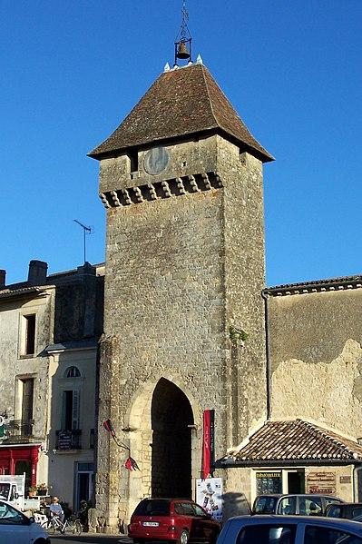 Photo du Monument Historique Enceinte fortifiée de la Ville situé à Saint-Macaire