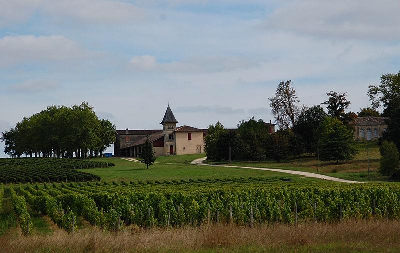 Photo du Monument Historique Château de Bel Air situé à Saint-Morillon
