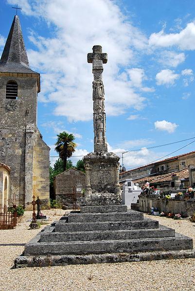 Photo du Monument Historique Croix de cimetière situé à Saint-Pey-d'Armens