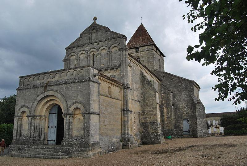 Photo du Monument Historique Eglise Saint-Philippe situé à Saint-Philippe-d'Aiguille